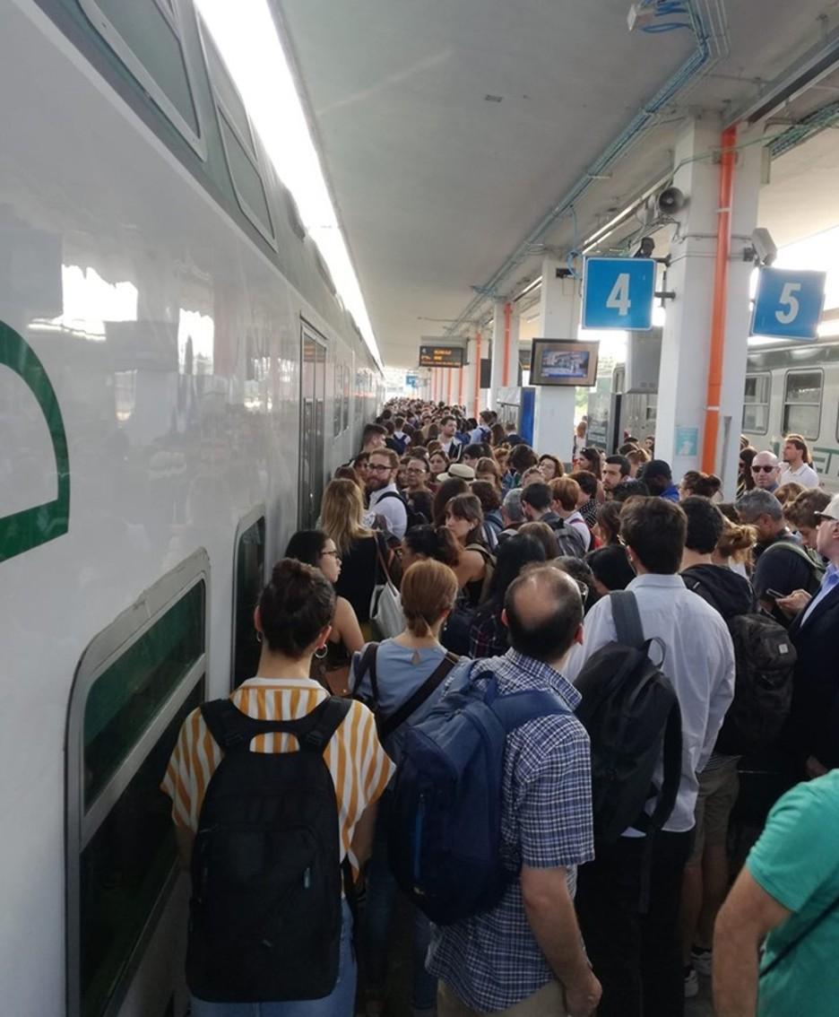 Bergamo, caos in stazione