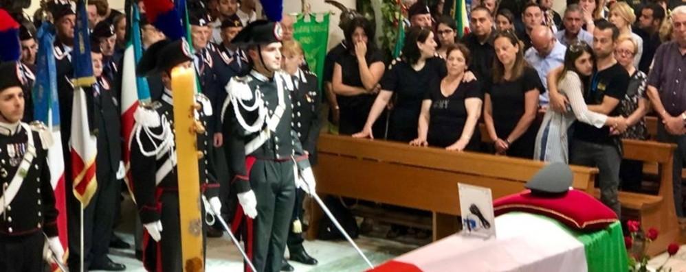 Carabiniere travolto e ucciso a Terno Il ministro: «Un eroe nel suo quotidiano»