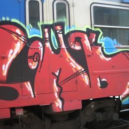 Trenord, allarme graffiti Danni per 1,4 milioni