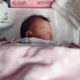 La piccola Elena fa rinascere il paese Dopo 21 anni finalmente un fiocco