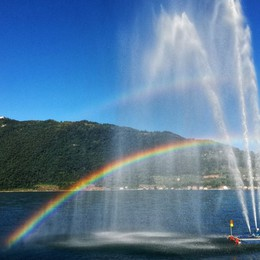 Zampilli con arcobaleno