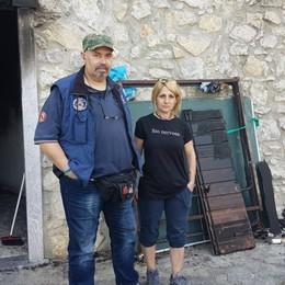 Mamma e quattro bambini senza casa Serve aiuto: la casa distrutta dall'incendio