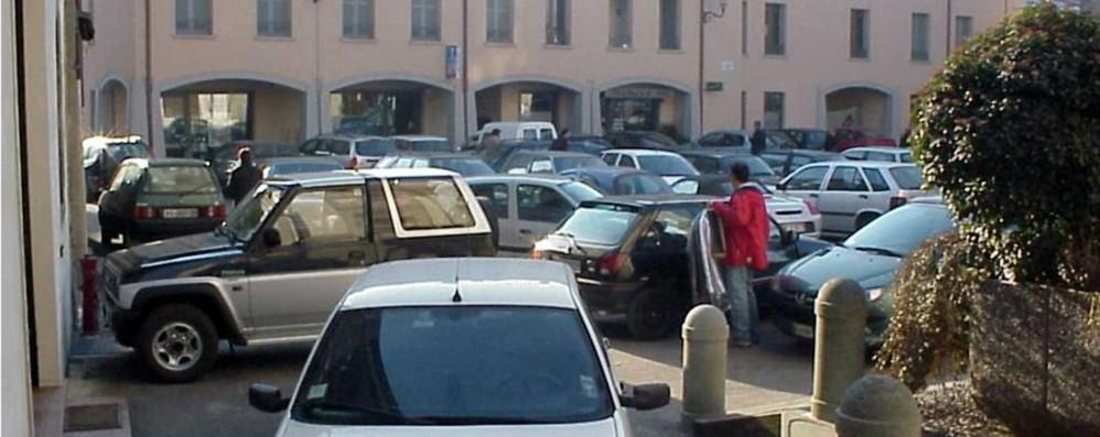 Chignolo, parcheggia sul passo pedonale Il neosindaco si autodenuncia ai Vigili