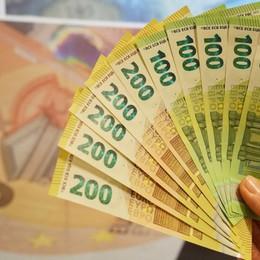 Banconote da 100 e 200 euro In circolazione i nuovi biglietti