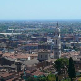 Compravendita di case, Bergamo + 7,7%  Cala Città Alta, balzo per Borgo Palazzo