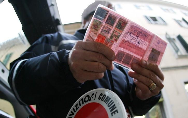 Esame della patente al posto dell'amico Denunciato giovane residente a Bergamo