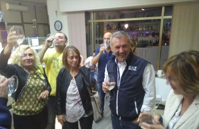 Freri festeggia dopo la vittoria e la sua riconferma a primo cittadino di Ranzanico