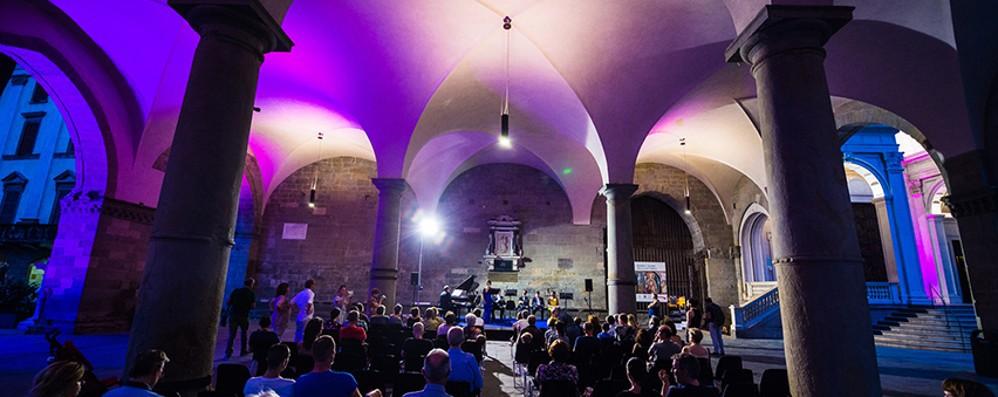 Luglio per chi resta a Bergamo E sabato sera la «Art2night»