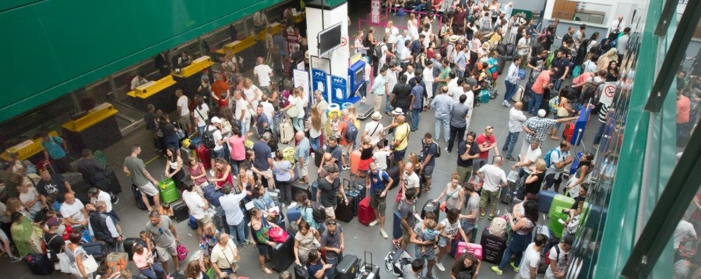 Polizia a Orio, la denuncia dei sindacati «Poco personale, sicurezza a rischio»