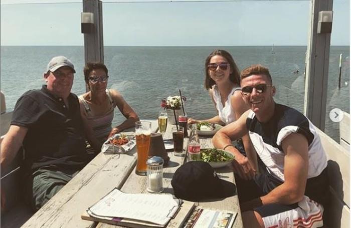 Gosens e un gruppo di amici