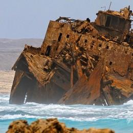 Che storia a Capo Verde: la spiaggia dei naufragi si chiama Atalanta