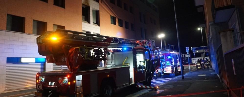 Bergamo, incendio in via Casalino Appartamento inagibile - Video