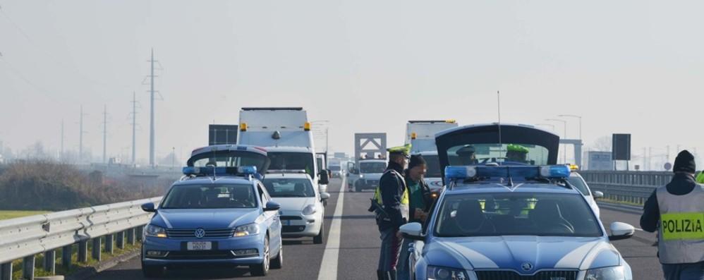 Maxi tamponamento in A4 verso Brescia Code tra i caselli di Seriate e Grumello