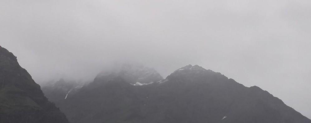 Maltempo, sorpresa di metà luglio Arriva la neve in alta Valle Seriana