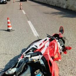 Treviolo, motociclista ferito sulla 470 L'appello: aiutateci a trovare il suv pirata