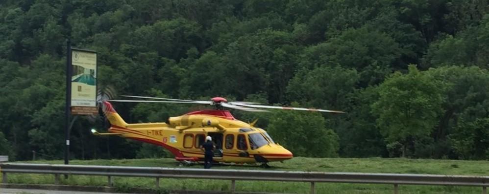 Investito in bici bimbo di 6 anni Colere, in ospedale con l'elicottero