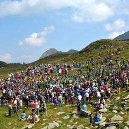 L'abbraccio alpino al Passo Rinnova la promessa solidale