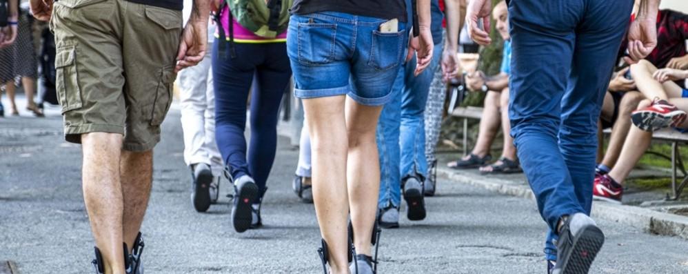 Le sneaker con supporti e  cuscinetto Il progetto è Made in Bergamo