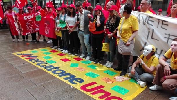 Mercatone Uno: sciopero dei lavoratori davanti al ministero dell'Economia