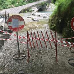 Val Vertova, pericolo caduta sassi  Strada chiusa, anche ai pedoni