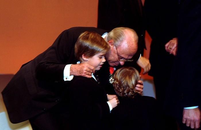 Giampiero Pesenti riceve la Legion d'Onore francese con i nipoti