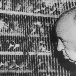 Alfred Hitchcock in via Tasso
