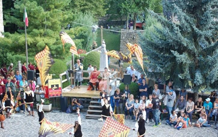 Bianzano, festa  nell'antico borgo