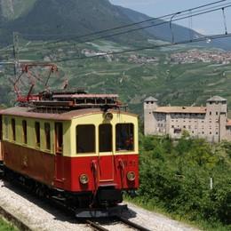 Il trenino dei castelli vintage in Val di Non e Val di Sole