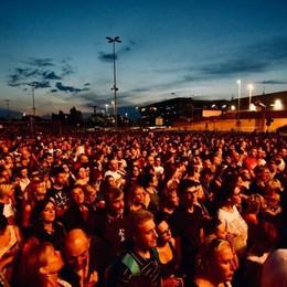 Pienone a Orio per Le Vibrazioni Oltre 4 mila biglietti - Foto/video