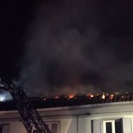 Fara Gera d'Adda, fiamme nella notte Bruciano 100 metri quadri di tetto