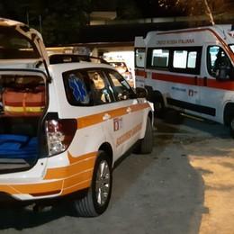 Incidente a Cavernago nella notte Auto esce di strada: 5 feriti, uno grave