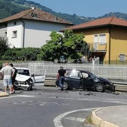 Scontro tra due auto all'incrocio Grave  71enne a Monasterolo