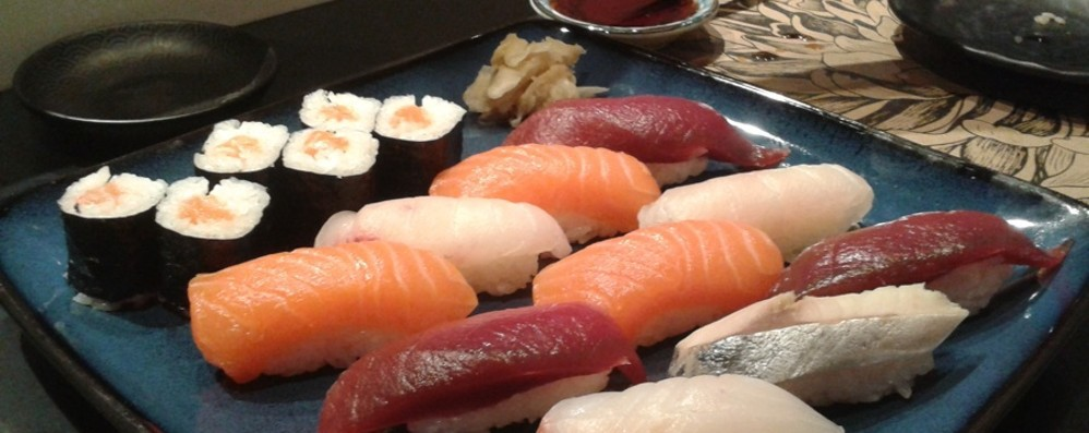Impazzisci per il pesce crudo? Se non si resiste, ecco  come regolarsi