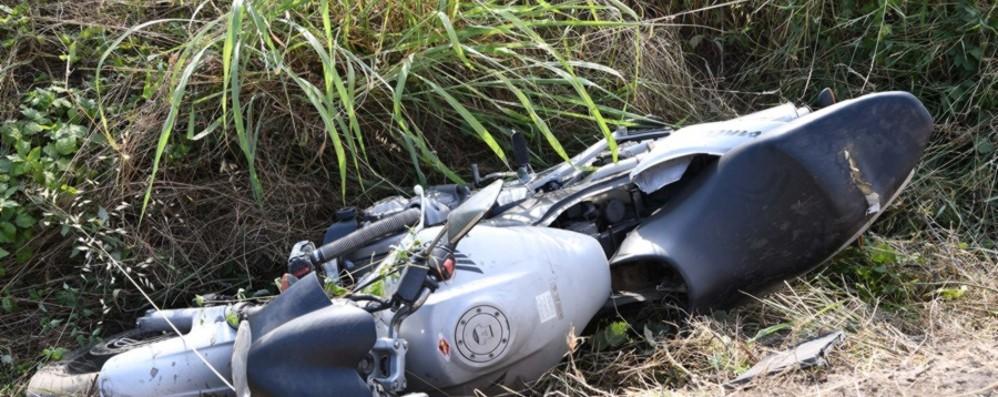 Moto contro auto a Fara e Medolago Gravi due giovani di 24 e 27 anni