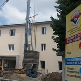 Fuga di gas da un cantiere a Sarnico Evacuate diverse abitazioni per sicurezza