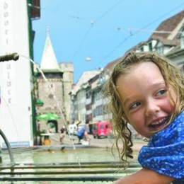 Un bagno nelle fontane A Basilea tutto è consentito