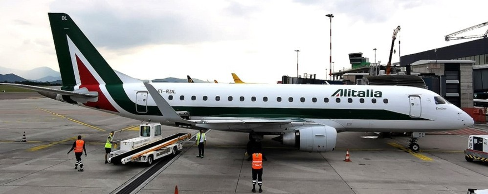 Alitalia, continueranno i voli per Roma Confermate le tre tratte giornaliere