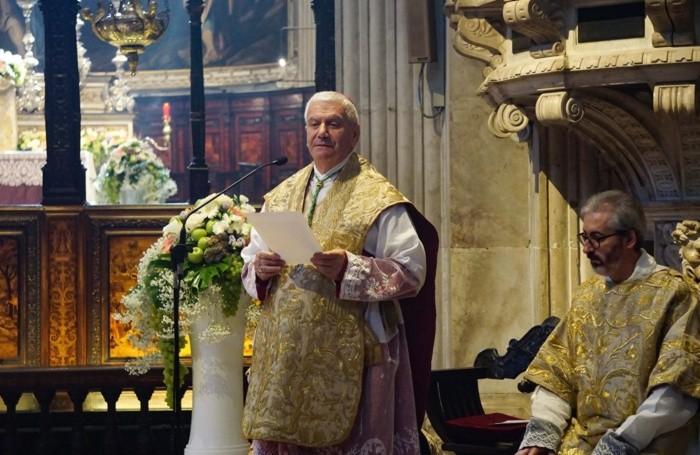 Il vescovo Beschi durante l'omelia in Santa Maria Maggiore