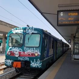 Viaggiava in treno senza biglietto Donna aggredisce poliziotto fuori servizio
