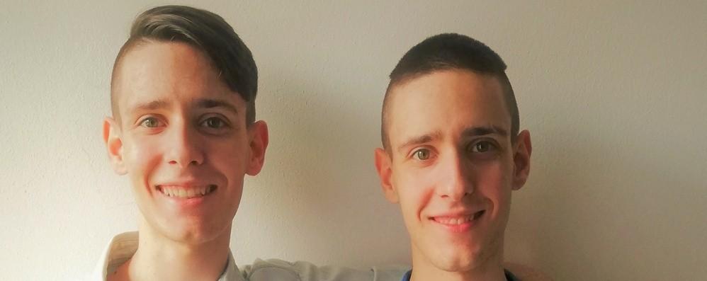 Castione, gemelli anche nel voto Alla Maturità 100 e lode per due