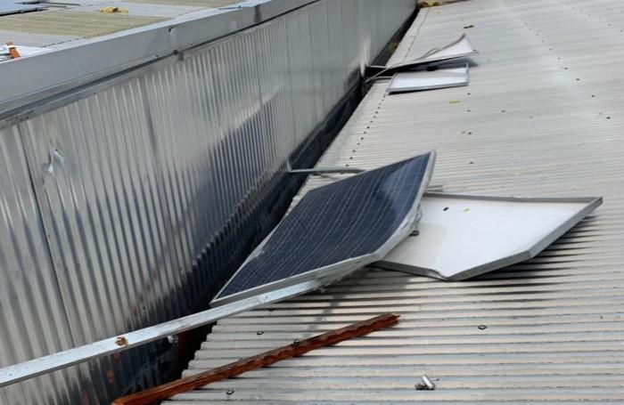 I pannelli fotovoltaici volati via