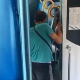 Insulti razzisti sul treno Milano-Verona Denunciato cinquantenne di Antegnate