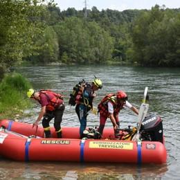 Fa il bagno con amici e sparisce tra i flutti Nuova tragedia sul fiume Adda
