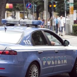 Reagisce e picchia quattro agenti Bergamo, 26enne finisce in manette