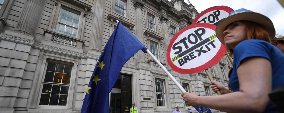 Brexit: 'medicine, cibo e benzina a rischio se sarà no deal'