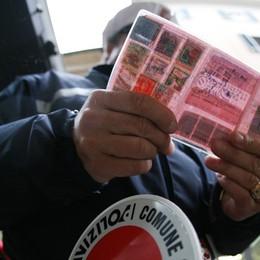 Altre sette patenti ritirate a Bergamo Multa di 5 mila euro a una 23enne