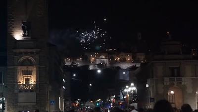 Bergamo, lo spettacolo dei  fuochi d'artificio per la festa di Sant'Alessandro