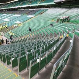 Lo stadio ha i nuovi seggiolini I tifosi li useranno? - Il video