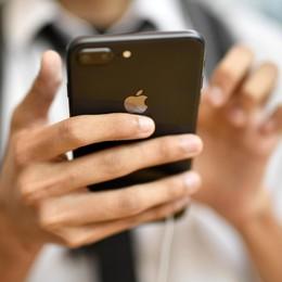 Apple, iPhone hackerati per due anni   Visitando siti pericolosi,Cupertino «ripara»