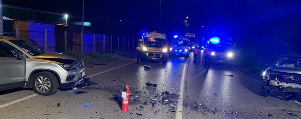 Incidente frontale nella notte  Grumello, quattro feriti - Foto